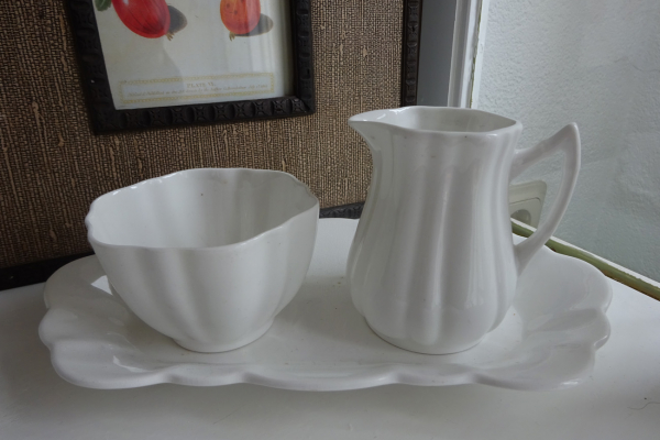 Bone China , model Rosina, made in England Roomstel