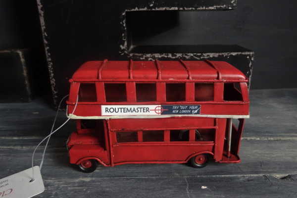 Clayre & Eef model Bus