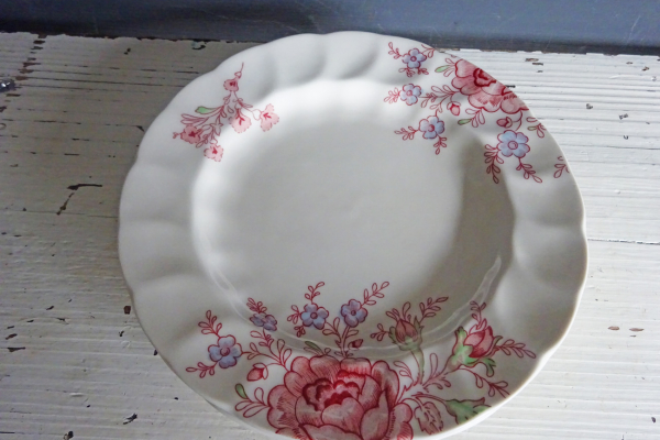 2 Bordjes, Summer Chintz van Johnson Bros