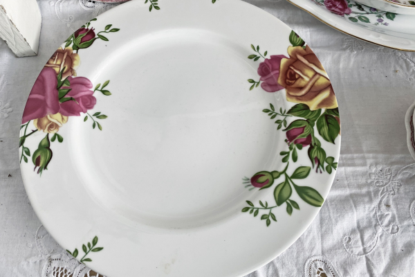 Royal Albert, Country Rose, Bord 27,5 cm.