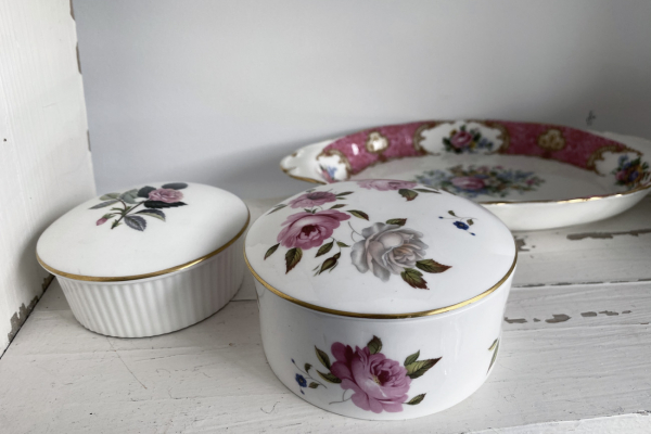 Royal Worcester , Marissa, made in England Dekseldoosje