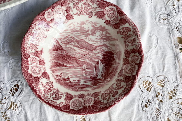 Wedgwood, Loches of Scotland, Loch Katrine Schaaltje