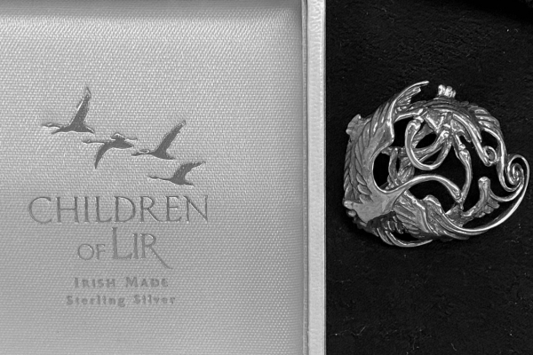 Prachtige Zilveren Broche: Children Of Lir